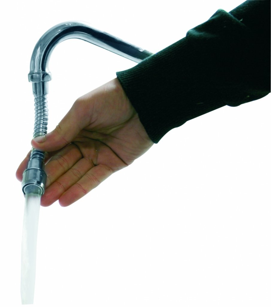 Köp flexibel slang till köket eller tvättstället.